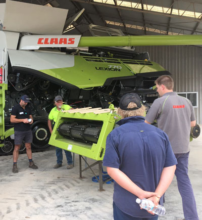 The team at G & J East is fixing a Claas Lexion 770